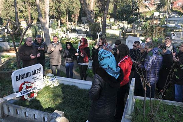 Mehmet Ali Birand mezarı başında anıldı!