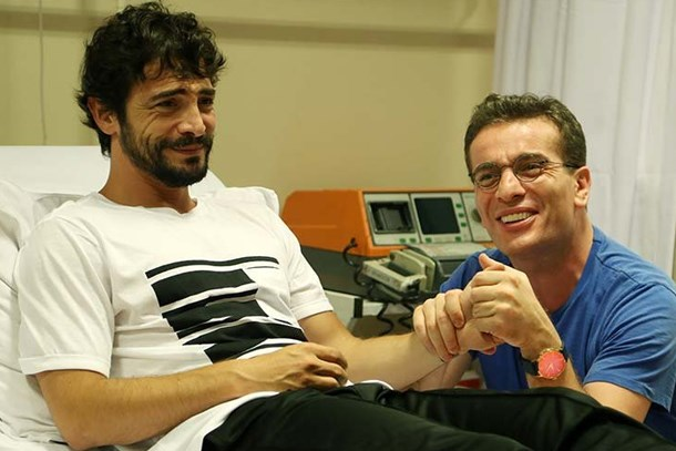 Murat Cemcir,  Sıla'dan ayrılan Ahmet Kural'ı hastaneye kaldırdı!