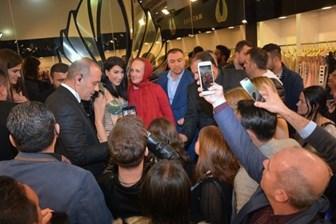 Hande Yener, Seren Serengil'in muhabirini yaka paça dışarı attırdı!