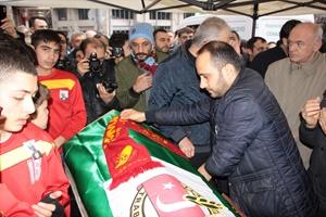 Eski AA Trabzon Bölge Müdürlerinden Özdemir, son yolculuğuna uğurlandı