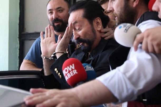 Adnan Oktar operasyonunda 5 yeni tutuklama!