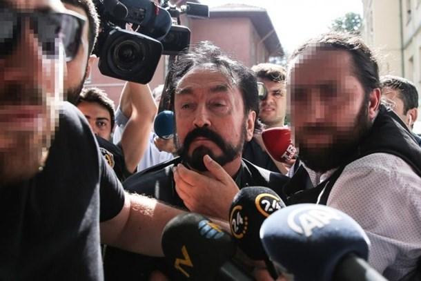Örgüt üyelerine şoke eden mesaj: Af çıkacak, devletin başına Adnan Oktar geçecek!