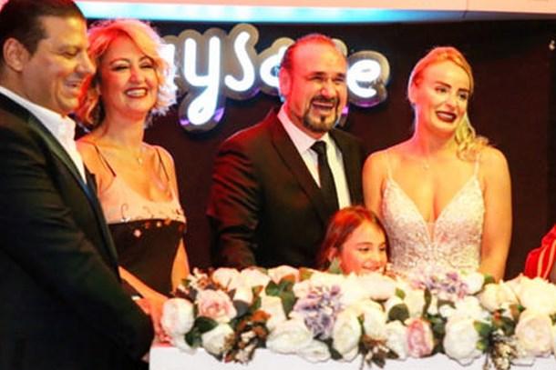 Hakan Aysev 6'ıncı kez evlendi!