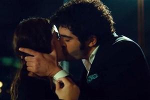 Bizim Hikaye dizisinde öpüşme sahnesi!