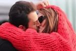 Seren Serengil aşka geldi! Yaşar İpek'le öpüştüğü anları paylaştı!