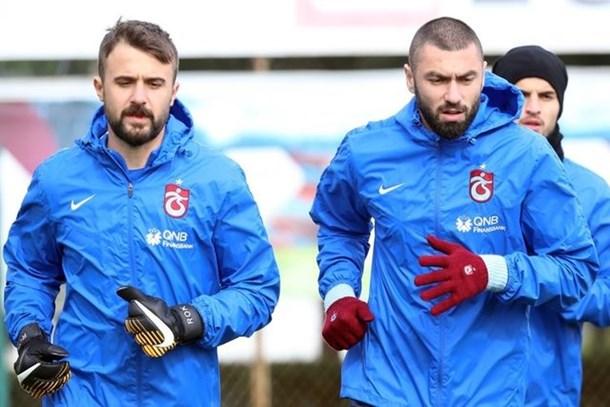 Trabzonspor'da Burak Yılmaz ve Onur Kıvrak depremi!