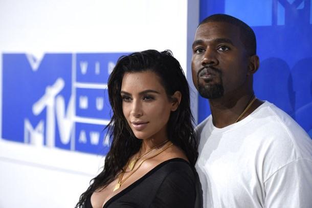 Kim Kardashian eşinin kokusunu zengine benzetti