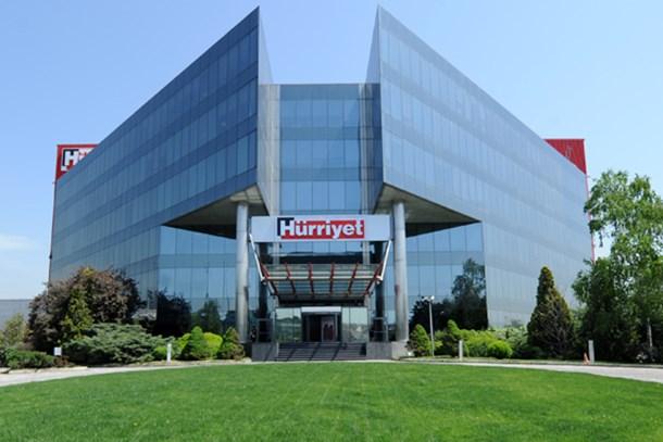 Hürriyet Gazetesi'nde 'tasarruf önlemleri'! İki köşe yazarı daha gönderildi!