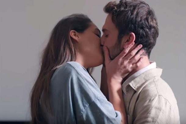 RTÜK bu öpüşmeyi affetmedi! Çukur'a ne kadar ceza kesildi?