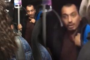 İki genç öpüştü metrobüste olay çıktı