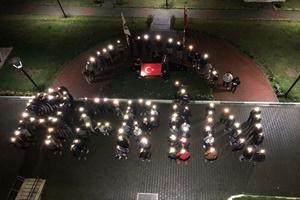 Üniversite öğrencilerinden Mehmetçiğe ışıklı destek