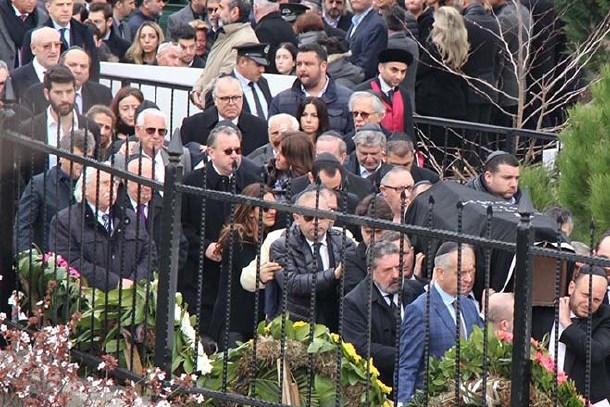 İran'da düşen jette ölen 9 kişiye veda! Gözyaşları sel oldu!