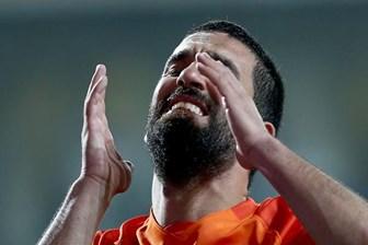 Galatasaray taraftarı, Arda Turan'a özel pankart hazırladı