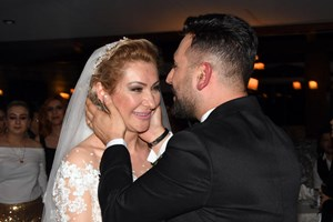 Ünlü oyuncu evlendi!