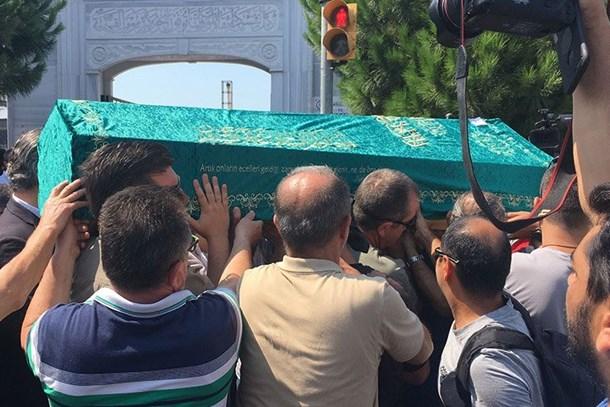 Hikmet Atansay'ın acı günü! Babasını kaybetti!
