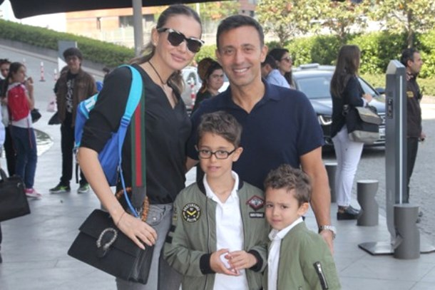 Gizemli erkekle görüntülenen Emina Sandal: Mustafa ile barışmamız...