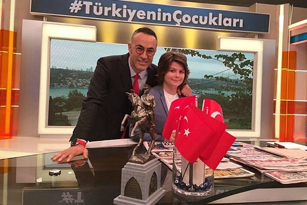 Murat Güloğlu'nun yerine geçti, Cem Yılmaz'ın doğum gününü kutladı! (Medyaradar/Özel)
