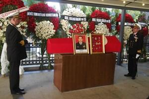Özden Örnek'in oğlu cenaze töreninde Fatih Altaylı'yı böyle suçladı