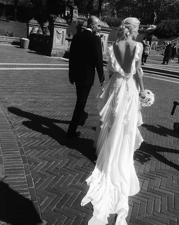 Burcu Esmersoy ile Berk Suyabatmaz evlendi!