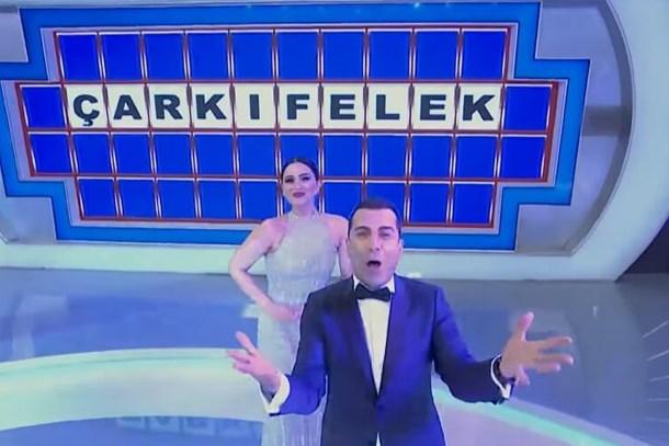 Habertürk yazarı Çarkıfelek'i bombaladı: Paralı seyirciler, yalandan tezahüratlar, aynı ünlü yüzler!