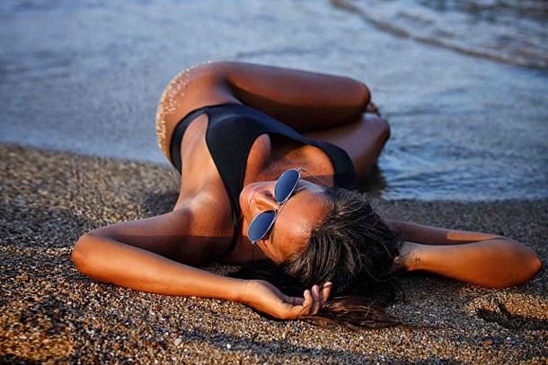 Eda Taşpınar'dan bikinili paylaşım: 'Hayallerinin peşinden git'