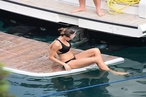 Nöbetleşe tatil! Musti evin yolunu tuttu tekne Emina'ya kaldı