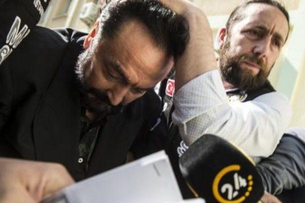 Adnan Oktar'la ilgili bomba iddia! Tutuklanamaz, çünkü...