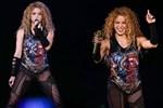 Shakira İstanbul'u salladı...Ünlüler akın etti!