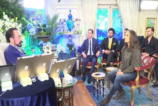 Ünlü gazeteci Adnan Oktar'ın villasına girdi, anlattıkları şoke etti: 'Galiba burada pişen...'