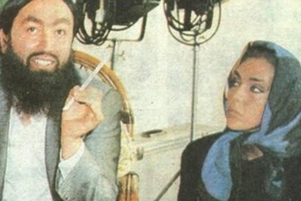 Ahu Tuğba, Adnan Oktar'la o fotoğrafın hikayesini anlattı! 'Diz çöktüm, suratına baktım'