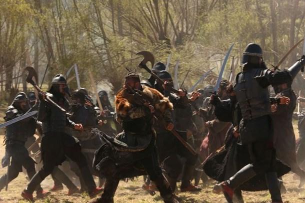 Başrolde Erkan Petekkaya ile Yetkin Dikinciler var! Deliler'in teaser'ı yayınlandı!