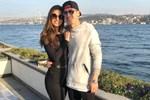 Amine Gülşe'den nişanlısı Mesut Özil'e destek!