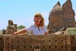 Müge Anlı şimdi de kumdan heykel yapımına el attı! (Medyaradar/Özel)