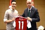 Vodafone'dan skandal Mesut Özil kararı! Reklamdan çıkardı...