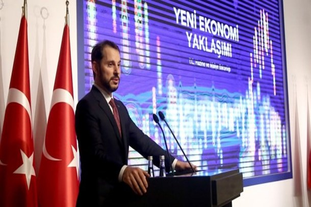 Ahmet Hakan'dan Berat Albayrak'ın sunumuna çarpıcı yorum: Danışmanı olsam...