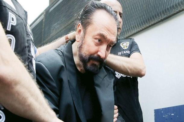 Star yazarından bomba Adnan Oktar iddiası: 400 yılla yargılanacak!