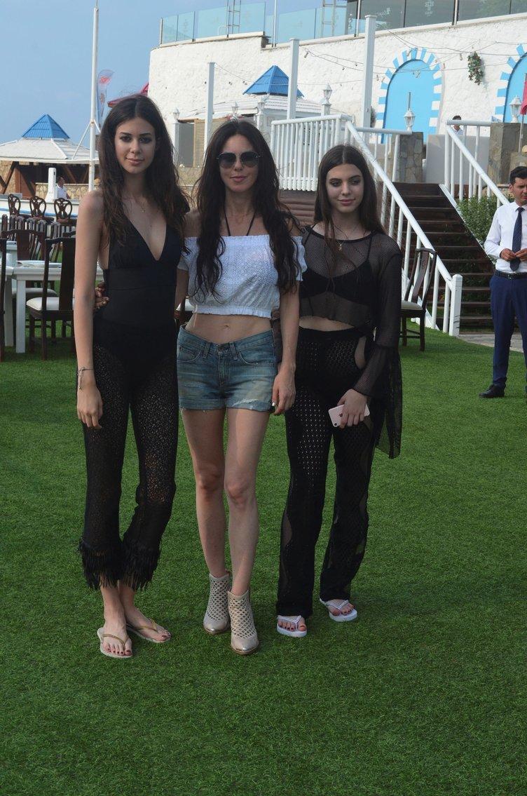 Defne Samyeli''den sonra iki kızının pozu sosyal medyayı salladı