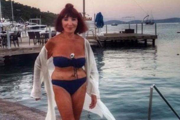 Gülriz Sururi'den 89 yaş pozu! Sosyal medya sallandı!