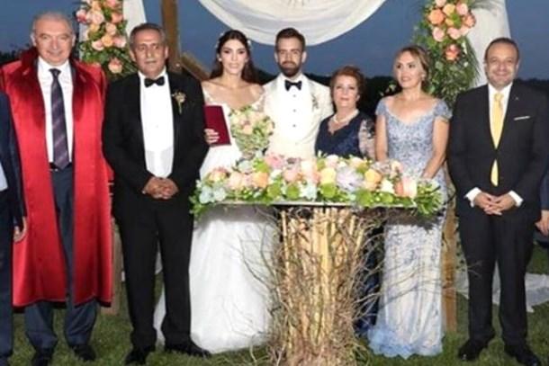 Yavuz Bingöl'ün mutlu günü! Kızı Türkü Bingöl evlendi!