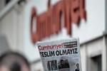 Cumhuriyet Gazetesi'nde bir flaş ayrılık daha! Hangi köşe yazarı istifa etti?