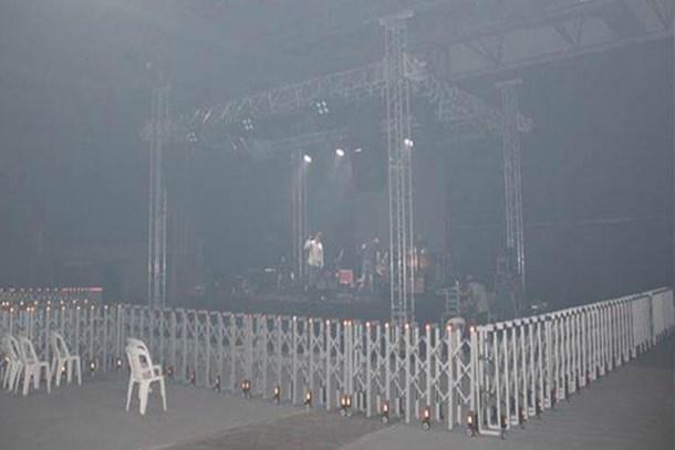 Ünlü şarkıcıya şok! Kebap dumanı, konseri iptal ettirdi